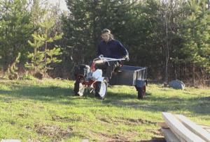 Фото саморобного міні-трактора з мотоблока