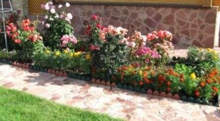 Квітник своїми руками для початківців садівників
