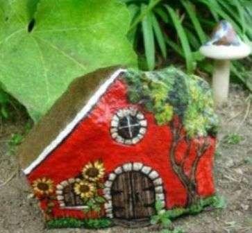 Будиночки для декору дачі