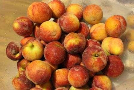 компот з персиків на зиму