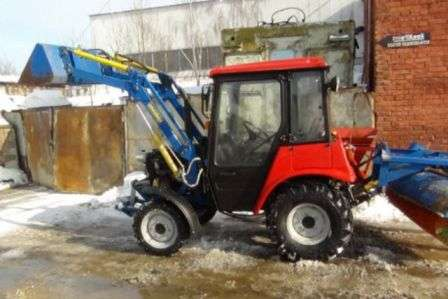 Трактор МТЗ-320 (Білорус)