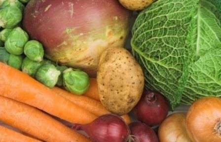 Як зберігати зимою овочі, коренеплоди і фрукти в підвалі, погребі