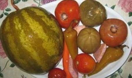 Засолка кавунів в бочці на зиму рецепт приготування