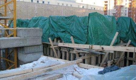 Які наслідки можуть виникнути при зимовому бетонуванні