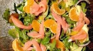 Салат з червоної риби і авокадо