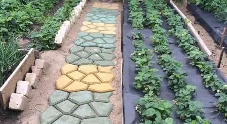 Покрокова інструкція з виготовлення садових доріжок