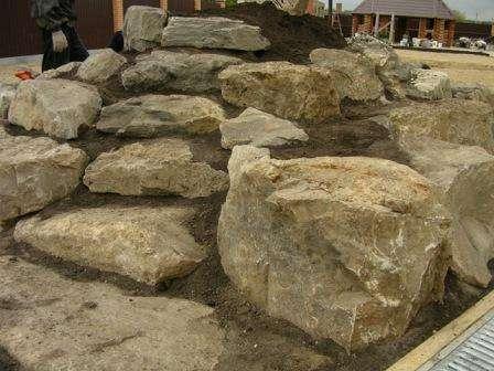Головне в кам'яній композиції