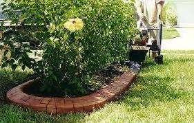 Як зробити декоративні та садові бордюри для квітників та саду. Фото