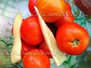 Помідори в томатному соці