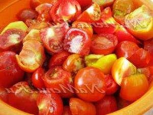 помідори з томатним соком
