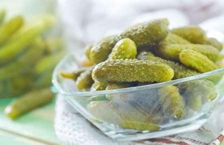 Приготування огірків з горілкою: