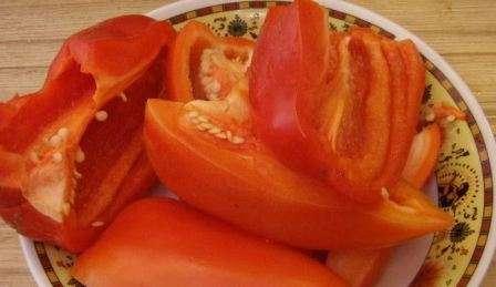 Покроковий рецепт приготування аджики з помідорів: