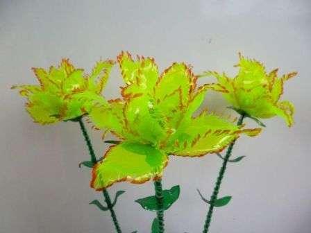 як зробити квіти з пластикових бутилок