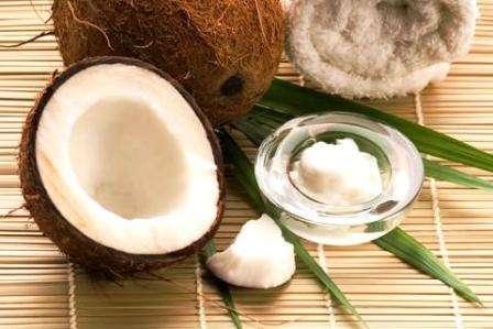 Як застосовувати кокосове масло для волосся