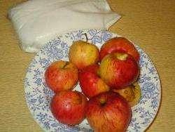 Як закрутити компот з яблук на зиму: Рецепт яблучного компоту