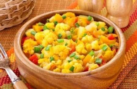 Овочеве рагу з цвітною капустою