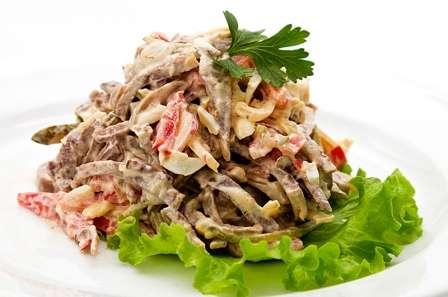 Смачні рецепти салатів з фото на Новий Рік
