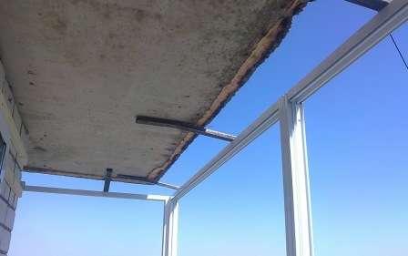Каркас для віконних рам повинен бути надійно закріплений