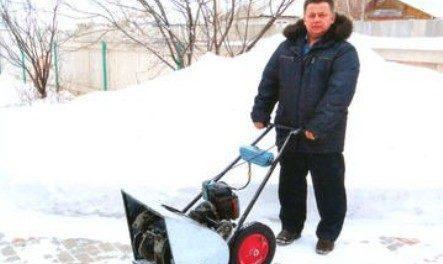 Як зробити саморобний снігоприбирач з бензопили своїми руками