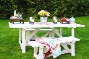 Дерев'яний стіл і лавка