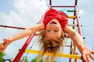 дитячий майданчик на дачі фото
