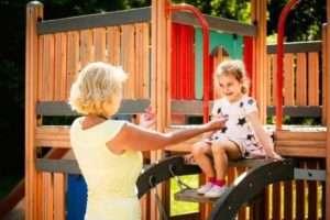як зробити дитячий майданчик своїми руками