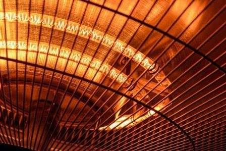 Інфрачервона лампа - оптимальне рішення для обігріву курятника