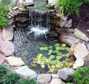 Неповторну атмосферу єднання з природою на вашому дачній ділянці створить вода