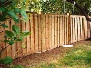 Правила встановлення дерев'яного паркану