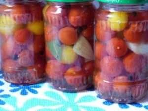 Консервовані помідори черрі