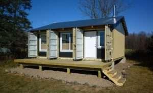 Побутовий будинок своїми руками з металевого контейнера