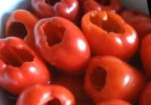 солодкий перець для вогника з помідор