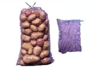 зберігання картоплі в мішку-сітці