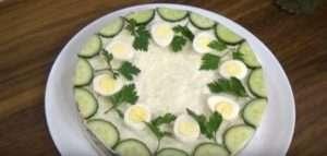 Як приготувати новорічний салат «Курочка Ряба»